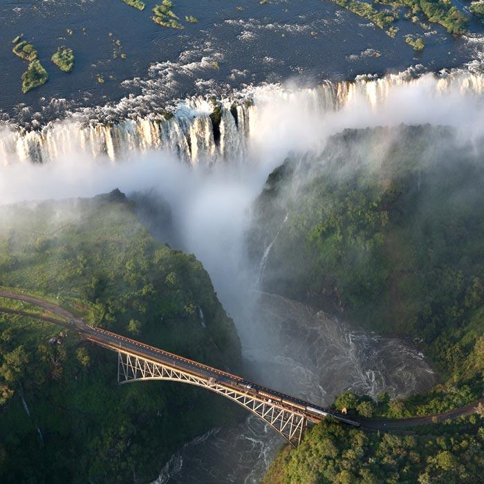 Exceptionnel Zimbabwe : Victoria Falls / Chutes Victoria QO22